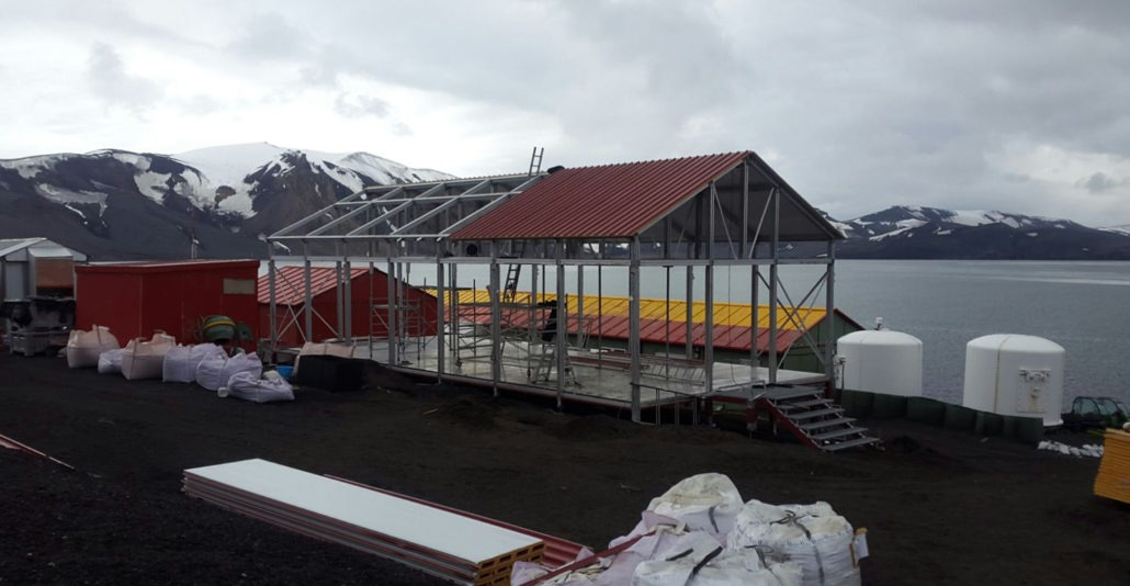 Reaching Antarctica with our modular warehouse